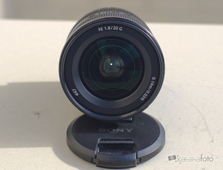 Sony 20mm F18 Review 013