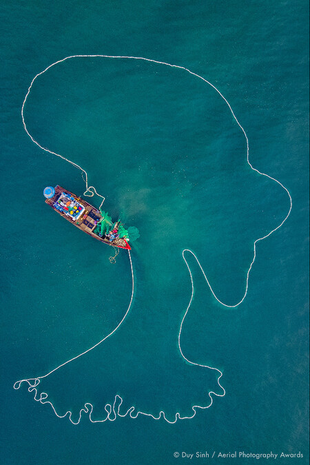 The Lady Of The Sea Duy Sinh Aerial Photography Awards